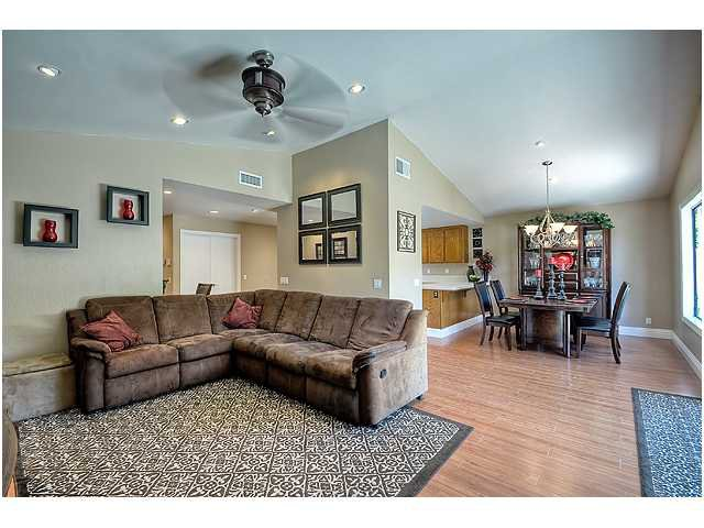 Photo 6: Photos: SCRIPPS RANCH House for sale : 3 bedrooms : 10849 Red Fern Circle in San Diego
