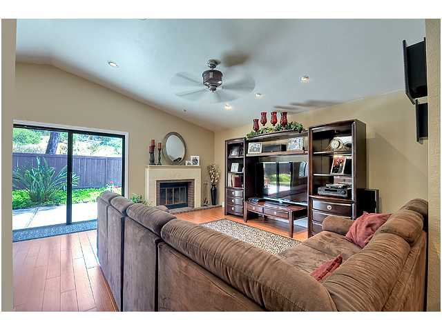 Photo 4: Photos: SCRIPPS RANCH House for sale : 3 bedrooms : 10849 Red Fern Circle in San Diego