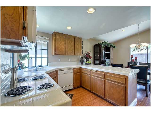Photo 11: Photos: SCRIPPS RANCH House for sale : 3 bedrooms : 10849 Red Fern Circle in San Diego