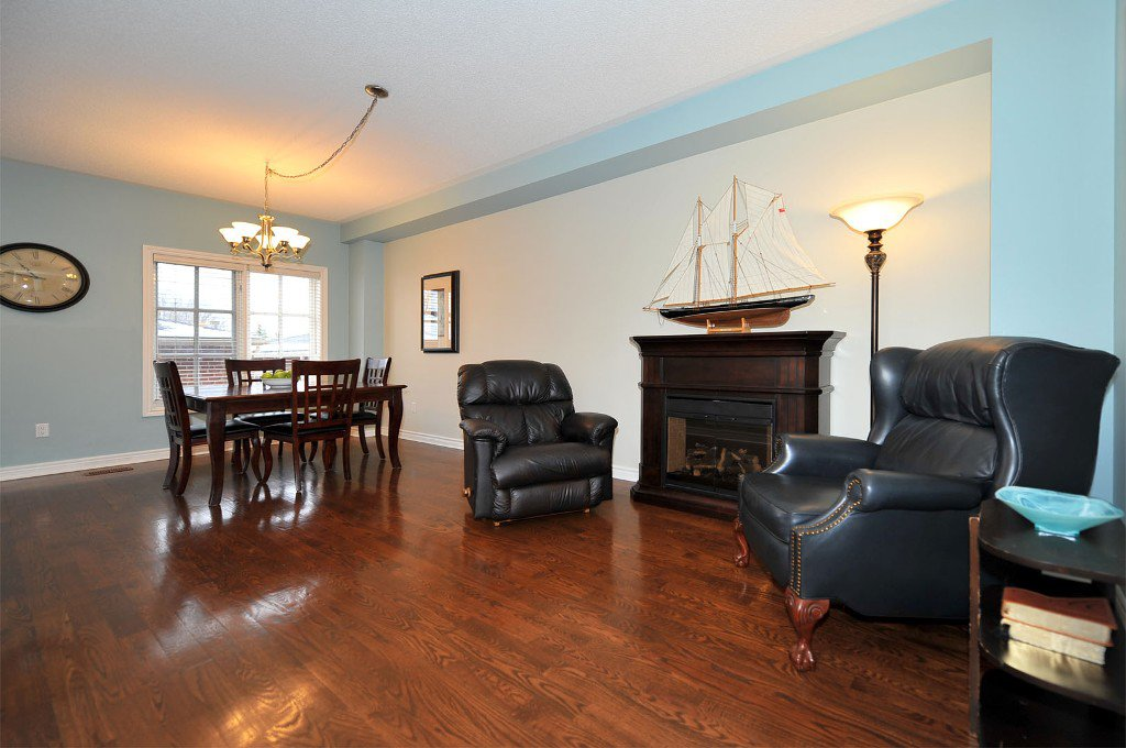 Photo 4: Photos: 25 Bullock Drive in Markham: Old Markham Village Freehold for sale : MLS®# N2795105