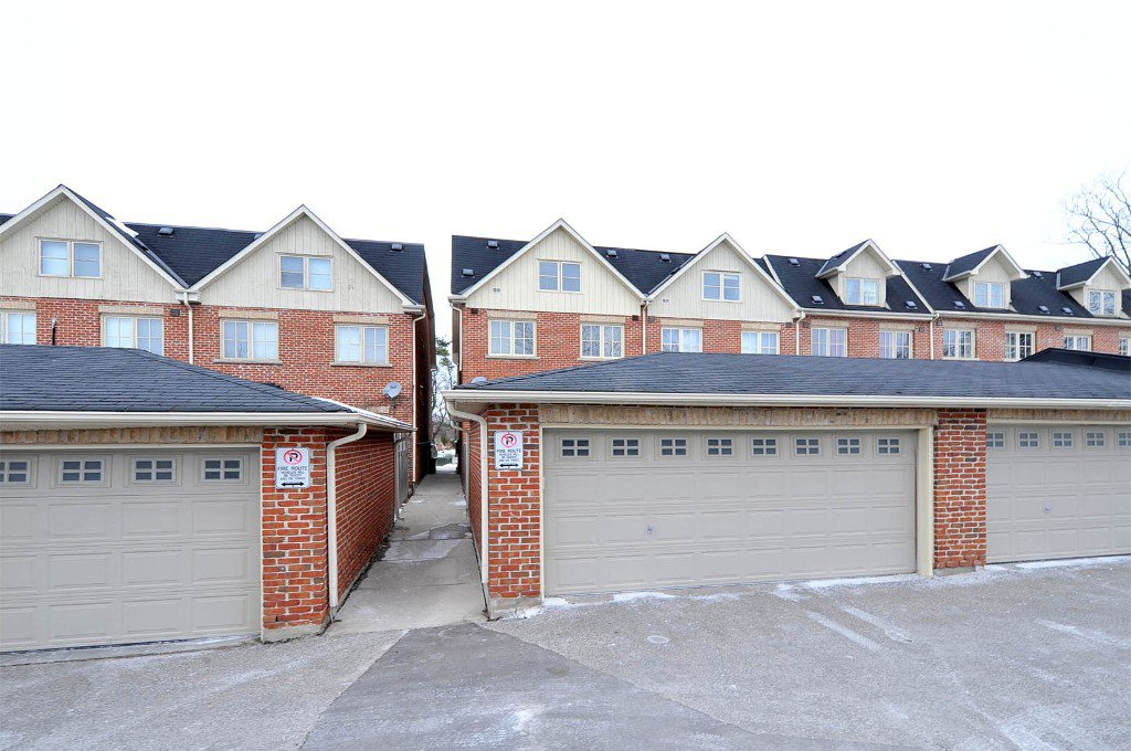 Photo 9: Photos: 25 Bullock Drive in Markham: Old Markham Village Freehold for sale : MLS®# N2795105