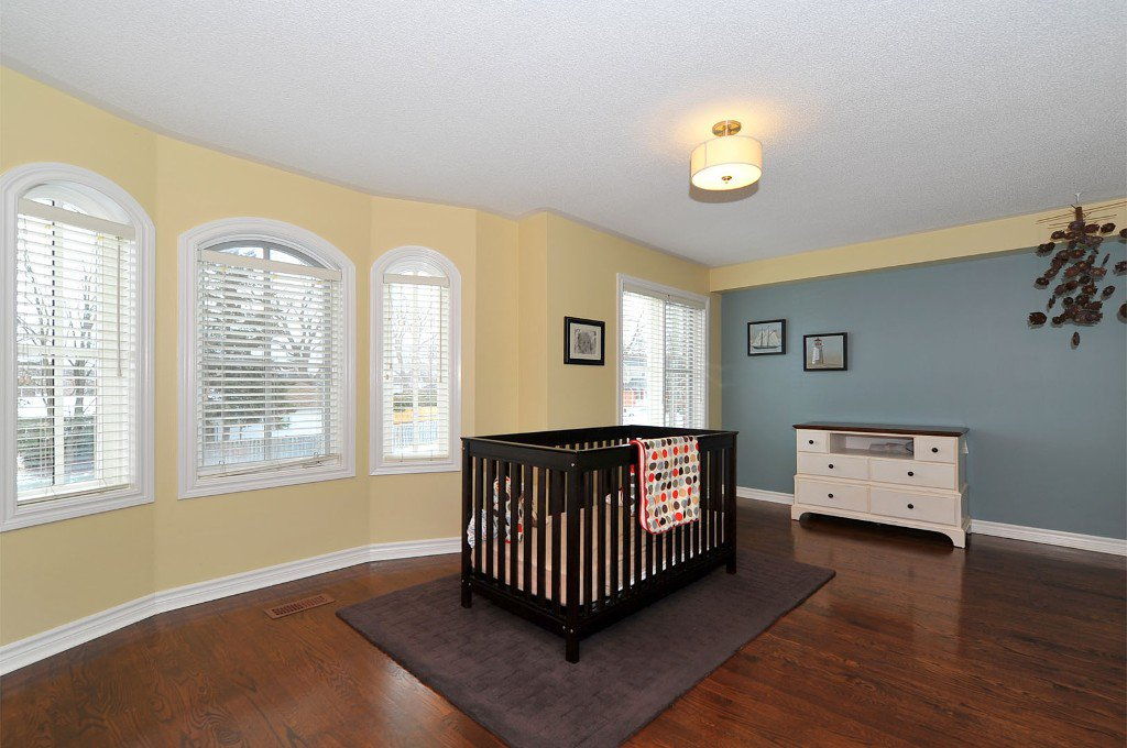 Photo 7: Photos: 25 Bullock Drive in Markham: Old Markham Village Freehold for sale : MLS®# N2795105