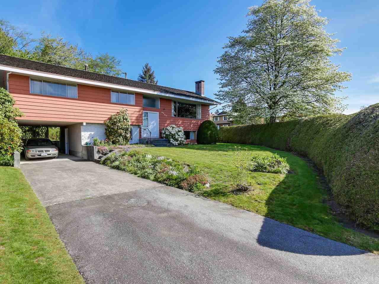 Main Photo: 6905 HYCREST DRIVE in Burnaby: Montecito House for sale (Burnaby North)  : MLS®# R2058508