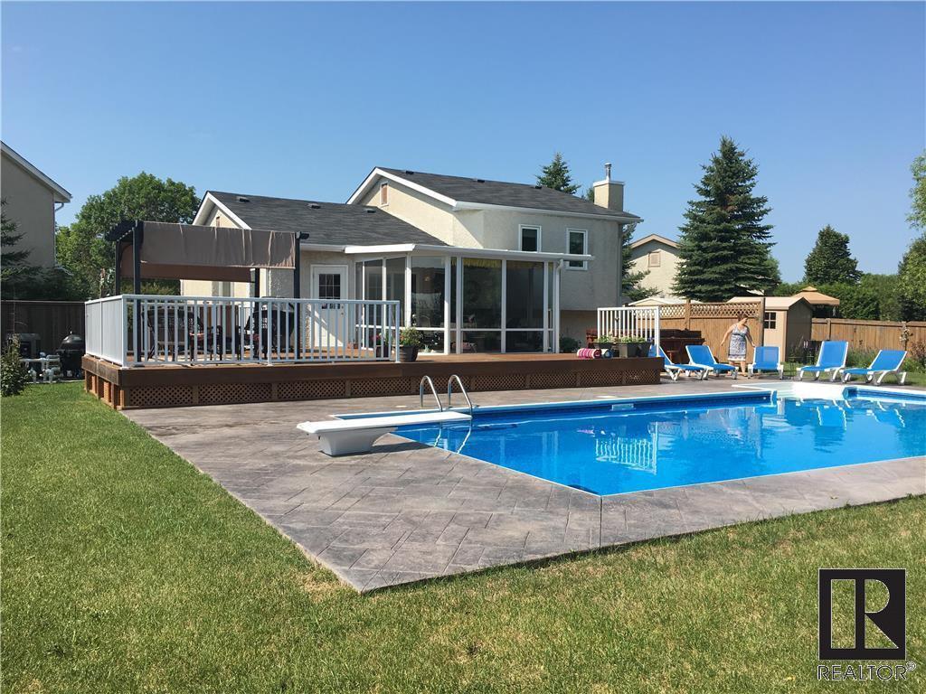 Main Photo: 11 Maranda PL in Winnipeg: House for sale (1,856 Square feet)  : MLS®# 1901978