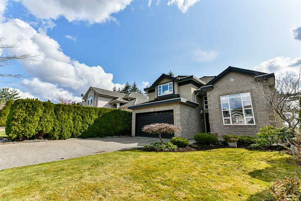 Main Photo: 15522 78a ave in Surrey: Fleetwood Tynehead House for sale : MLS®# R2344843