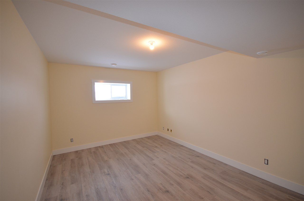Photo 18: Photos: 11103 114 Avenue in Fort St. John: Fort St. John - City NW House for sale (Fort St. John (Zone 60))  : MLS®# R2434464