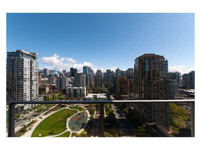 "Main Photo: 1903 1225 RICHARDS Street in Vancouver: Downtown VW Condo for sale in ""Eden"" (Vancouver West)  : MLS®# V950029"