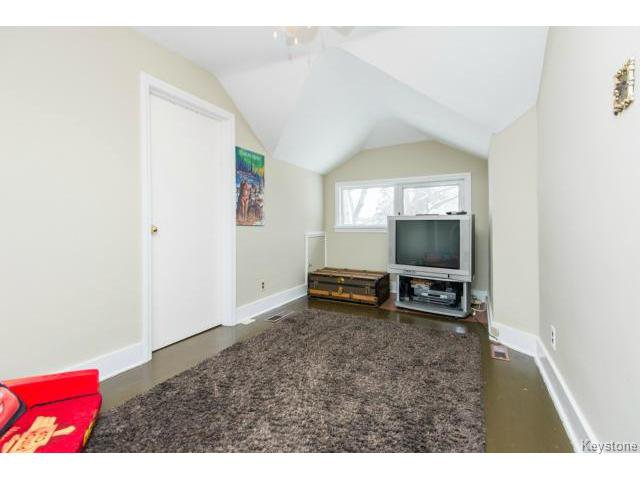 Photo 10: Photos: 162 Leighton Avenue in WINNIPEG: East Kildonan Residential for sale (North East Winnipeg)  : MLS®# 1401800