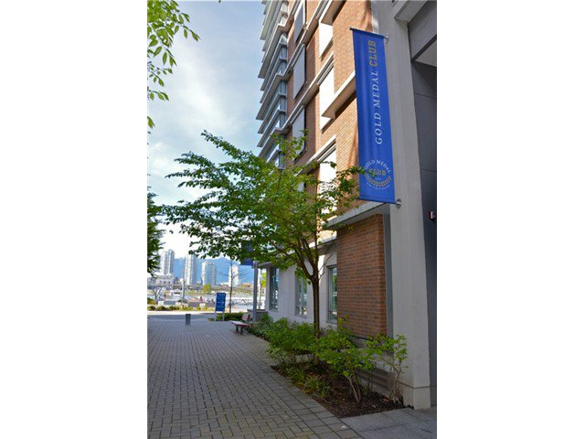 "Photo 12: Photos: 404 123 W 1ST Avenue in Vancouver: False Creek Condo for sale in ""COMPASS AT THE VILLAGE ON FALSE CREEK"" (Vancouver West)  : MLS®# V1075384"