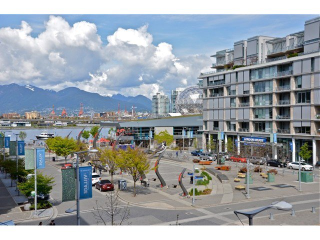 "Photo 10: Photos: 404 123 W 1ST Avenue in Vancouver: False Creek Condo for sale in ""COMPASS AT THE VILLAGE ON FALSE CREEK"" (Vancouver West)  : MLS®# V1075384"