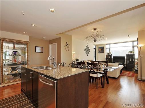 Photo 8: Photos: 306 788 Humboldt St in VICTORIA: Vi Downtown Condo for sale (Victoria)  : MLS®# 679390