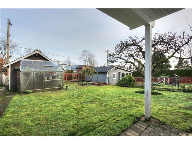 Photo 14: Photos: 3843 W 15TH AVE in VANCOUVER: Point Grey House for sale (Vancouver West)  : MLS®# v1105300