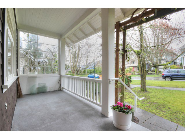 Photo 2: Photos: 3843 W 15TH AVE in VANCOUVER: Point Grey House for sale (Vancouver West)  : MLS®# v1105300