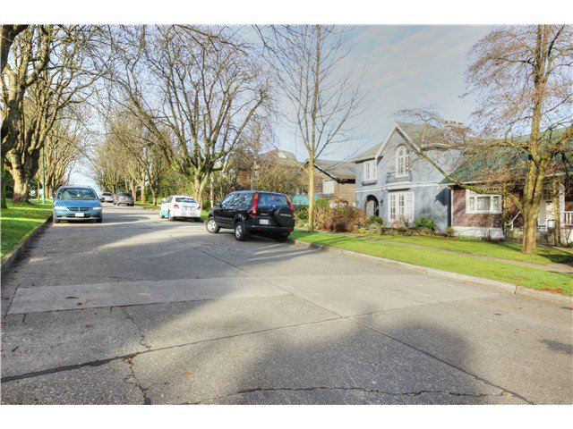 Photo 16: Photos: 3843 W 15TH AVE in VANCOUVER: Point Grey House for sale (Vancouver West)  : MLS®# v1105300