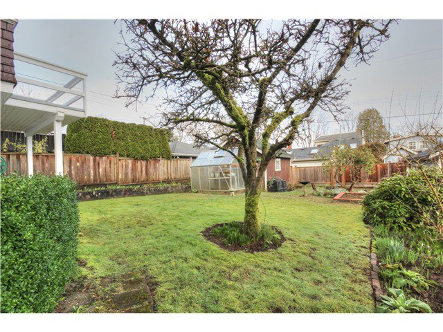 Photo 13: Photos: 3843 W 15TH AVE in VANCOUVER: Point Grey House for sale (Vancouver West)  : MLS®# v1105300