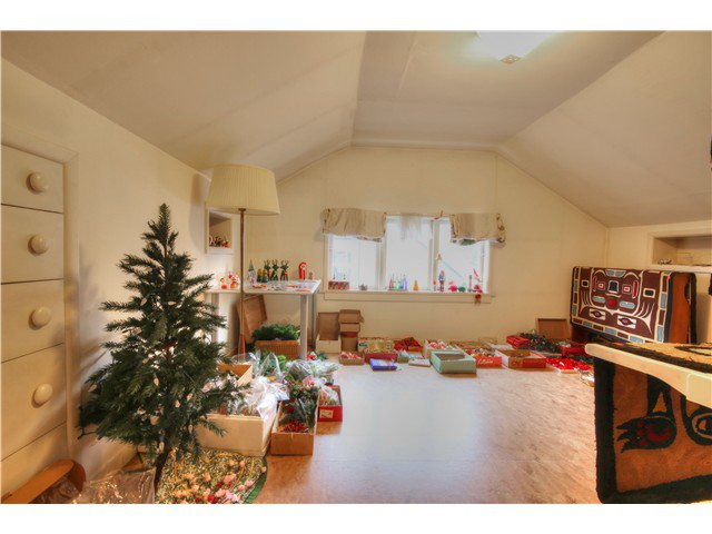 Photo 12: Photos: 3843 W 15TH AVE in VANCOUVER: Point Grey House for sale (Vancouver West)  : MLS®# v1105300