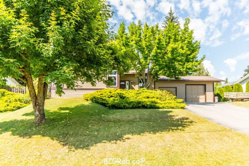 Main Photo: 3231 Northeast 16 Avenue in Salmon Arm: NE Salmon Arm House for sale : MLS®# 10113114
