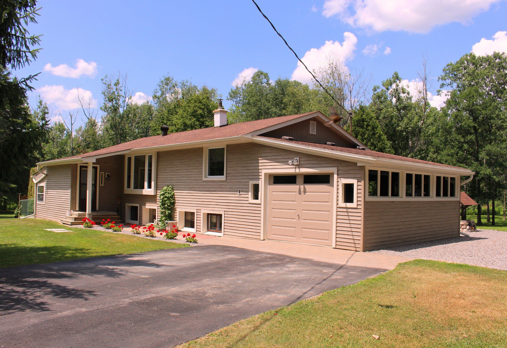 Main Photo: 20 Pine Court in Northumberland/ Trent Hills/Warkworth: Residential Detached for sale : MLS®# 140196