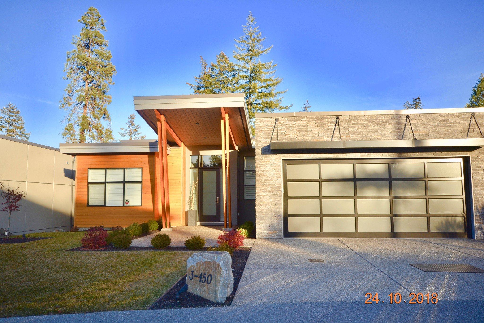 Main Photo: 3 450 Predator Ridge Drive in : Predator Ridge House for sale (Vernon)
