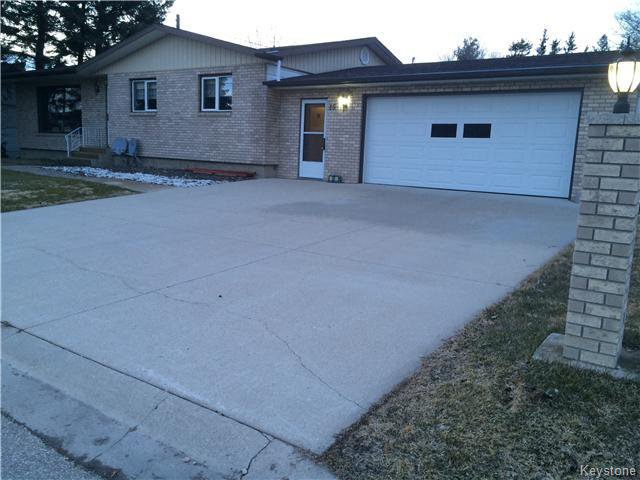 Main Photo: 15 1st: Residential for sale (R17)  : MLS®# 1603000