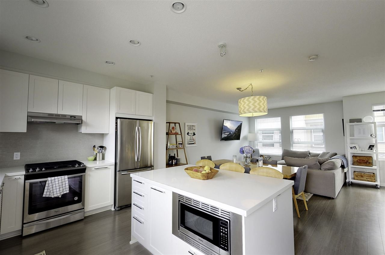 "Main Photo: 19 39548 LOGGERS Lane in Squamish: Brennan Center Townhouse for sale in ""SEVEN PEAKS"" : MLS®# R2408613"