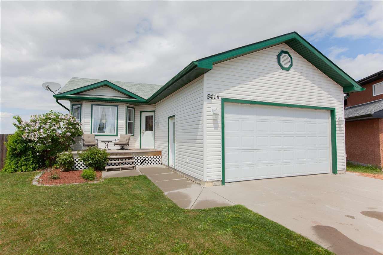 Main Photo: 5418 50 A Street: Legal House for sale : MLS®# E4184794