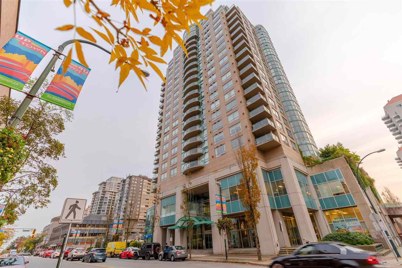 "Main Photo: 907 612 SIXTH Street in New Westminster: Uptown NW Condo for sale in ""The Woodward"" : MLS®# R2505938"