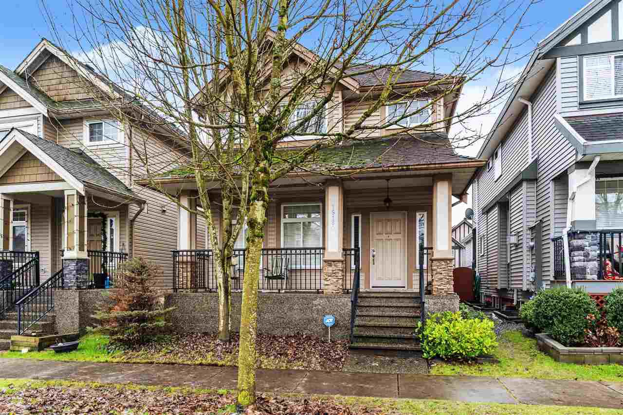Main Photo: 19160 70 Avenue in Surrey: Clayton House for sale (Cloverdale)  : MLS®# R2528483