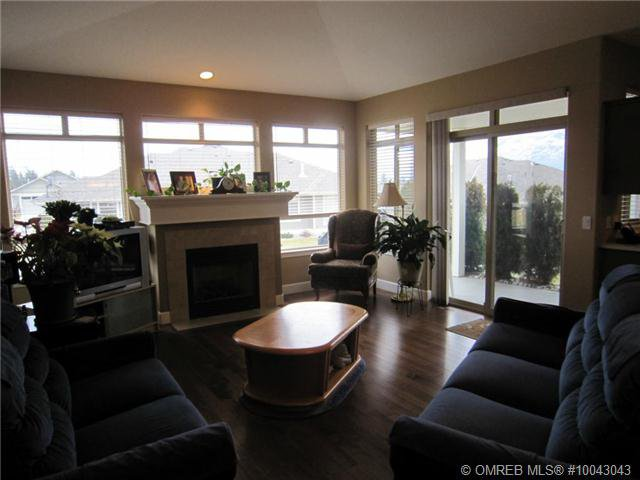 Photo 2: Photos: 238 4035 Gellatly Road in West Kelowna: Westbank Centre Residential Attached for sale (Central Okanagan)  : MLS®# 10043043