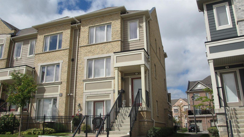 Main Photo: 1 3025 Destination Drive in Mississauga: Central Erin Mills Condo for lease : MLS®# W2739536