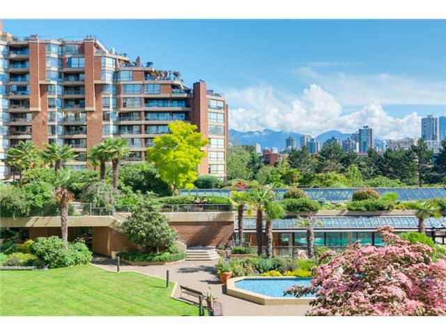 Main Photo: 208 1490 Pennyfarthing in Vancouver: False Creek Condo for sale (Vancouver West)  : MLS®# V1072315