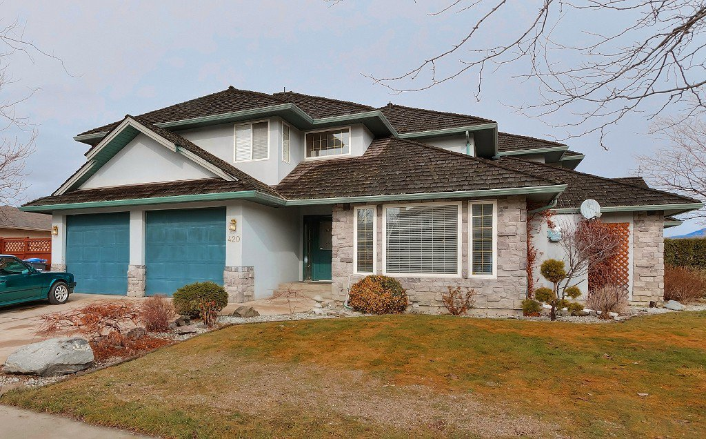 Main Photo: 420 Wallace Road in Kelowna: Rutland North Multi-family for sale : MLS®# 10111684