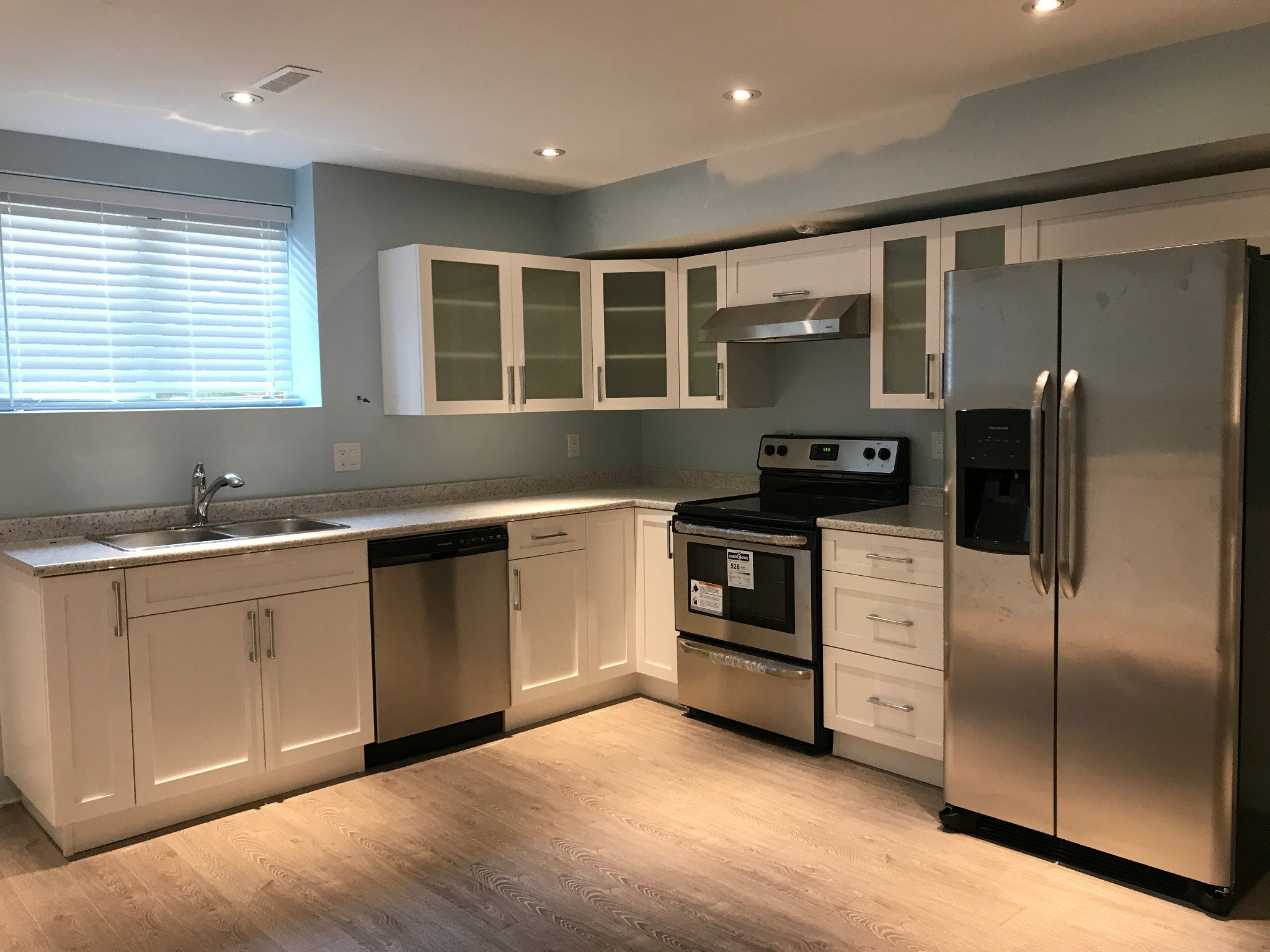 Photo 3: Photos: BSMT 2073 Zinfandel Dr. in Abbotsford: Aberdeen Condo for rent