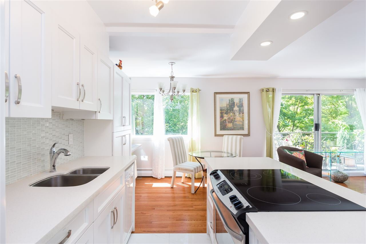 """Main Photo: 104 1930 MARINE Drive in West Vancouver: Ambleside Condo for sale in """"Park Marine"""" : MLS®# R2391116"""
