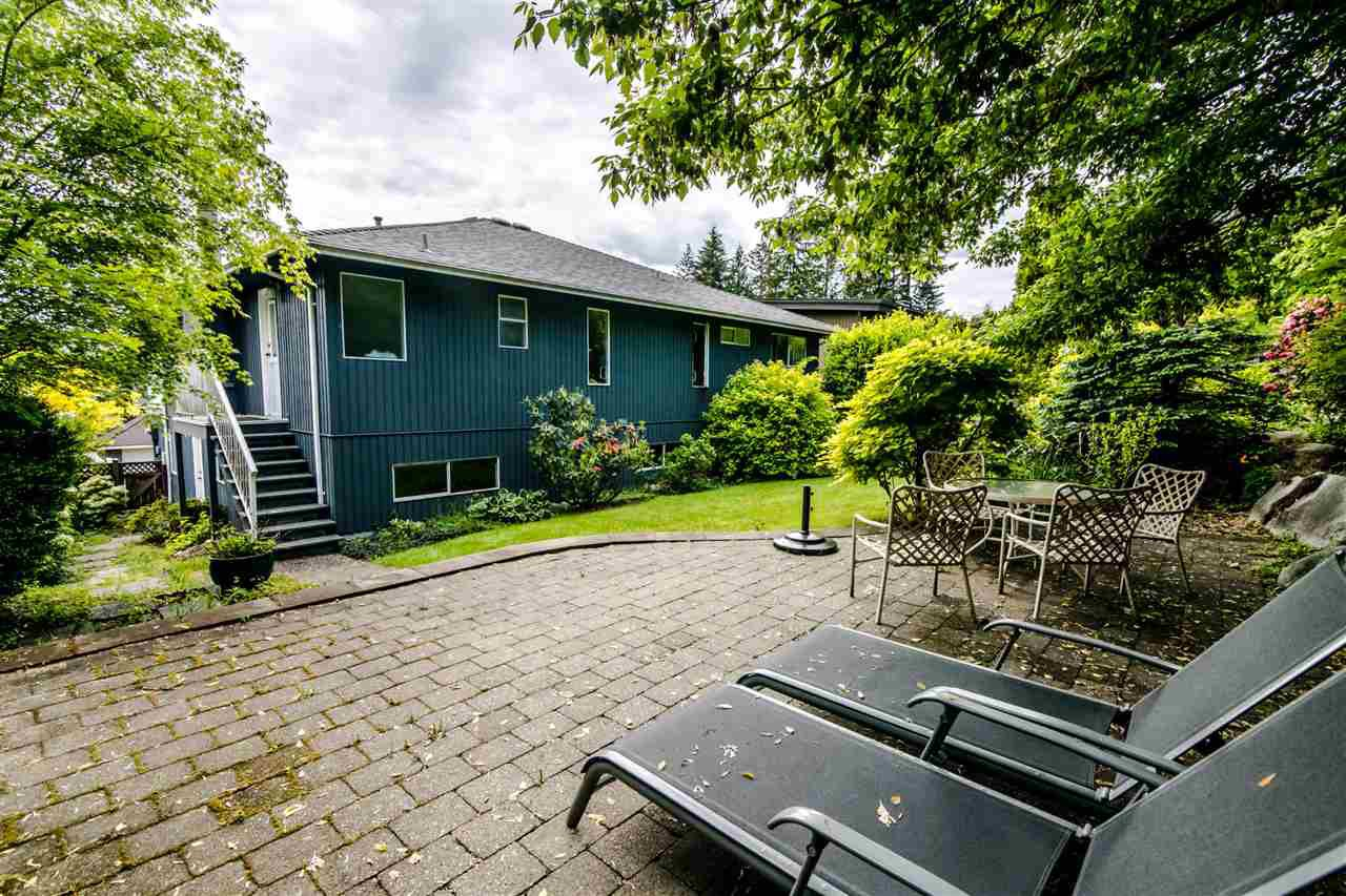 Photo 19: Photos: 1972 DUNROBIN Crescent in North Vancouver: Blueridge NV House for sale : MLS®# R2391503