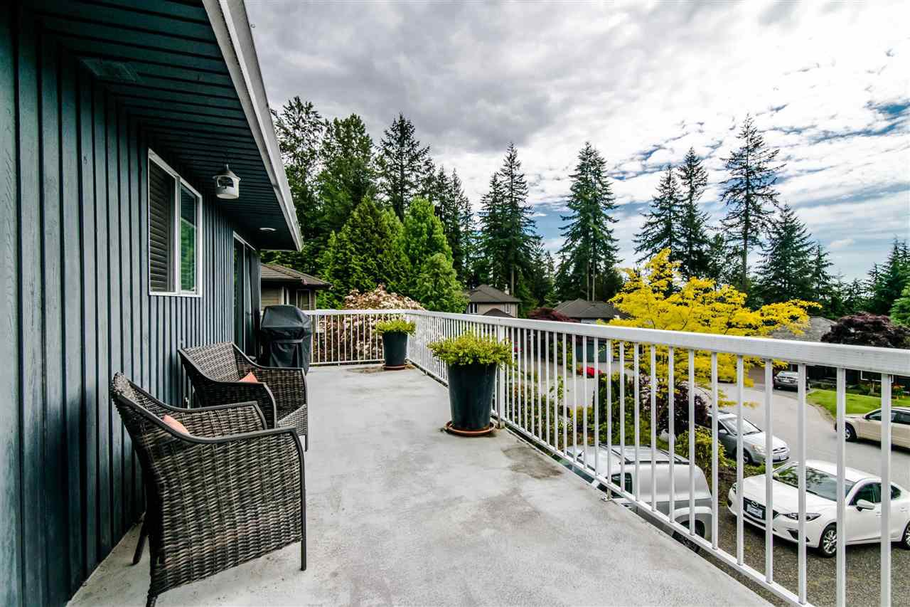Photo 10: Photos: 1972 DUNROBIN Crescent in North Vancouver: Blueridge NV House for sale : MLS®# R2391503