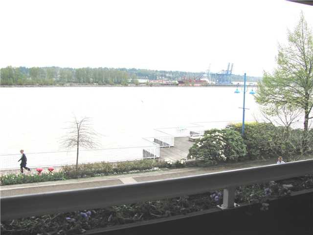 """Main Photo: 204 3 K DE K Court in New Westminster: Quay Condo for sale in """"QUAYSIDE TERRACE"""" : MLS®# V945400"""