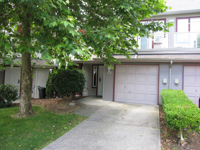 "Main Photo: 27 11229 232ND Street in Maple Ridge: East Central Townhouse for sale in ""FOXFIELD"" : MLS®# V1017911"