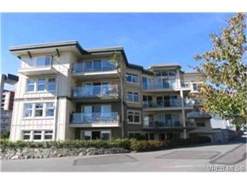 Main Photo:  in VICTORIA: Vi Burnside Condo for sale (Victoria)  : MLS®# 383023