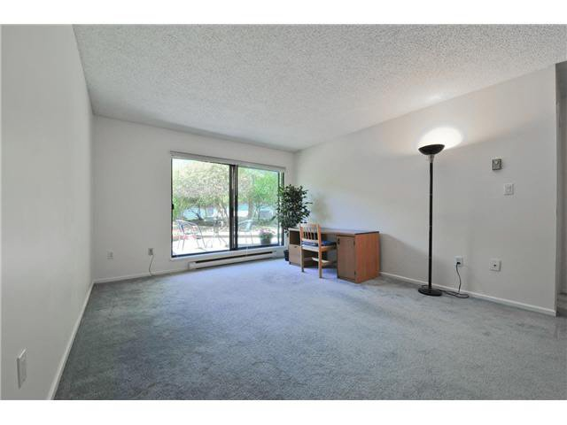 "Photo 3: Photos: 118 6931 COONEY Road in Richmond: Brighouse Condo for sale in ""Dolphin Place"" : MLS®# V1077889"