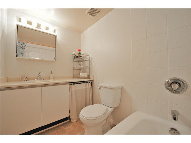 "Photo 12: Photos: 118 6931 COONEY Road in Richmond: Brighouse Condo for sale in ""Dolphin Place"" : MLS®# V1077889"