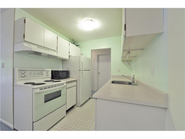 "Photo 11: Photos: 118 6931 COONEY Road in Richmond: Brighouse Condo for sale in ""Dolphin Place"" : MLS®# V1077889"