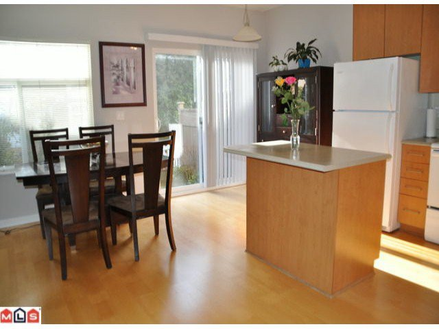 Photo 4: Photos: 11 2678 King George Boulevard in : White Rock Townhouse for sale (South Surrey White Rock)  : MLS®# F1105170