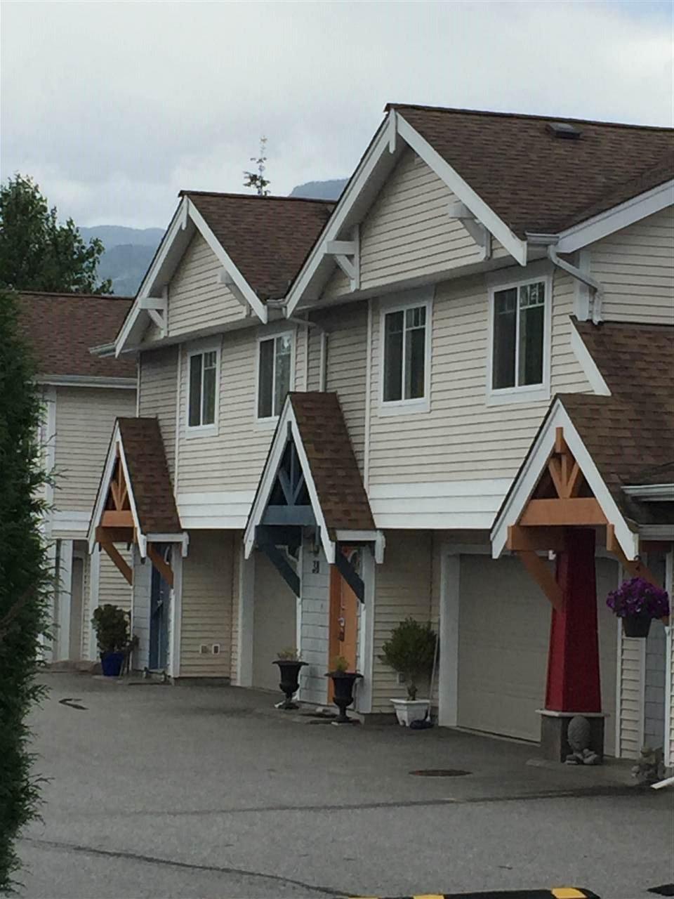 Main Photo: 46 1821 WILLOW CRESCENT in Squamish: Garibaldi Estates Townhouse for sale : MLS®# R2081102