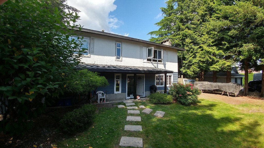 Main Photo: 26761 32 AVENUE in Langley: Aldergrove Langley House for sale : MLS®# R2089705
