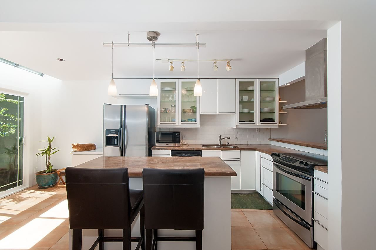 Photo 4: Photos: 3 3301 W 16TH AVENUE in Vancouver: Kitsilano Townhouse for sale (Vancouver West)  : MLS®# R2280618