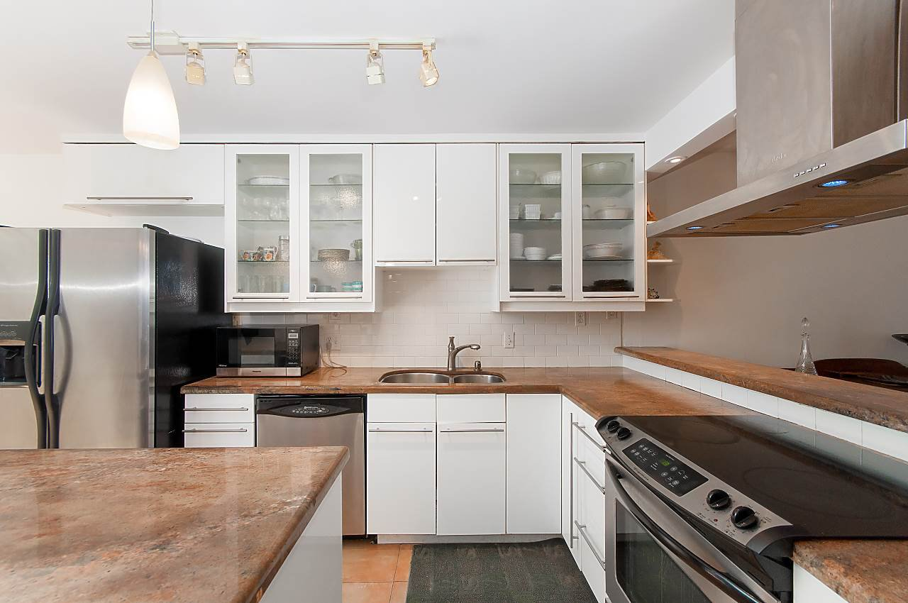Photo 5: Photos: 3 3301 W 16TH AVENUE in Vancouver: Kitsilano Townhouse for sale (Vancouver West)  : MLS®# R2280618