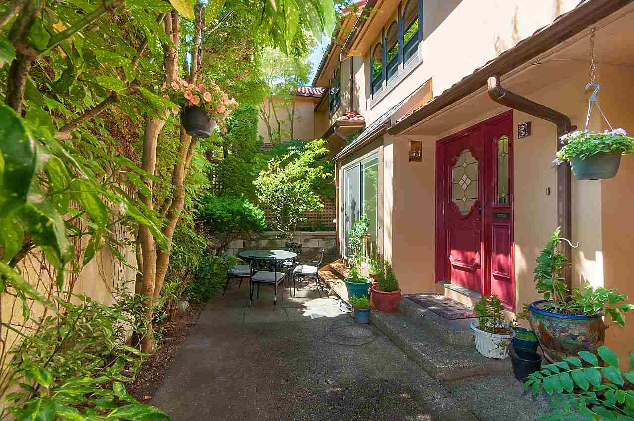 Photo 2: Photos: 3 3301 W 16TH AVENUE in Vancouver: Kitsilano Townhouse for sale (Vancouver West)  : MLS®# R2280618