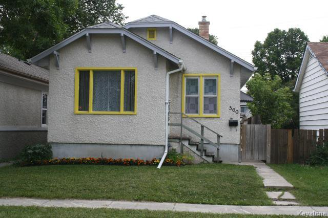 Main Photo: 560 Bowman: Residential for sale (3A)  : MLS®# 1420977