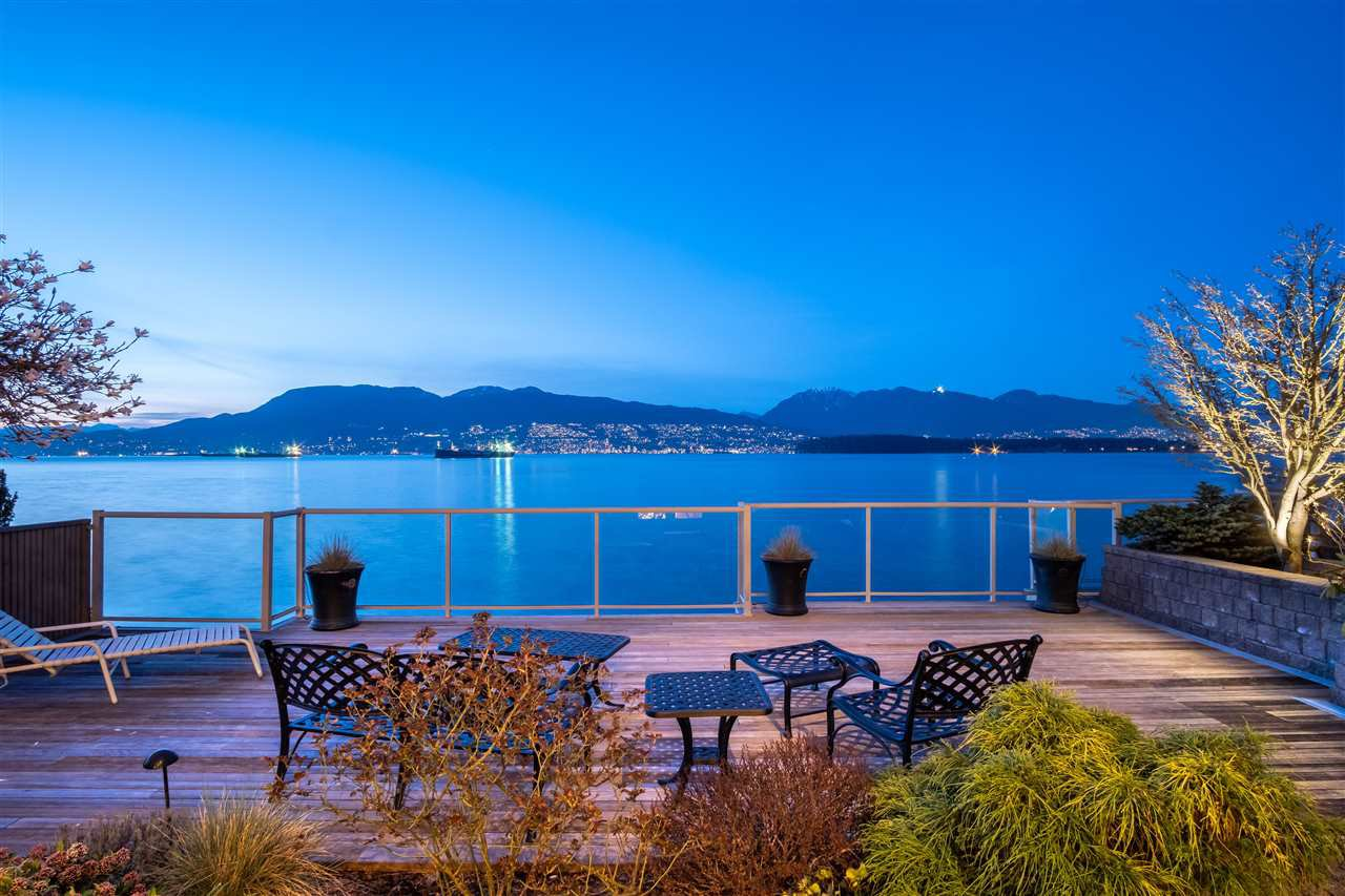 Main Photo: 3151 POINT GREY Road in Vancouver: Kitsilano House for sale (Vancouver West)  : MLS®# R2453524